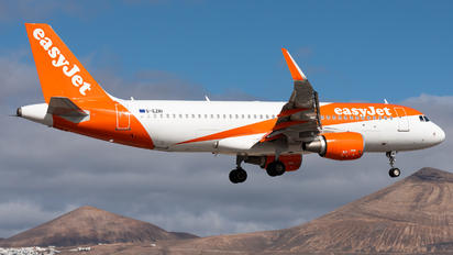 G-EZRI - easyJet Airbus A320