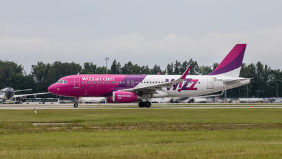 HA-LYN - Wizz Air Airbus A320