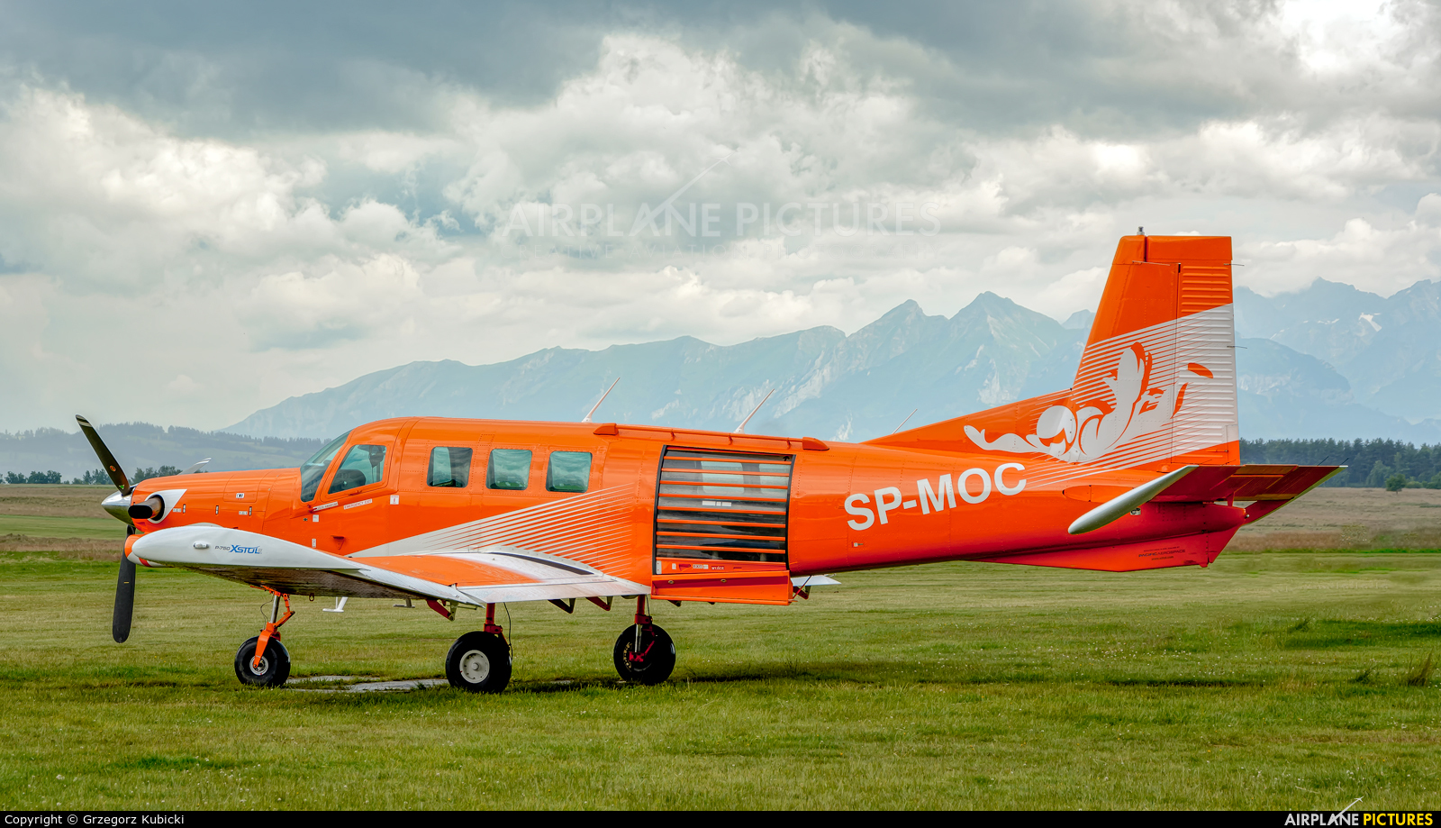 Private SP-MOC aircraft at Nowy Targ Airport