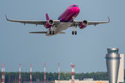 HA-LYF - Wizz Air Airbus A320 aircraft