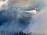 Aerial firefighting action on the outskirts of La Coruna title=