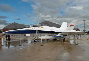 N852NA - NASA McDonnell Douglas F-18B Hornet