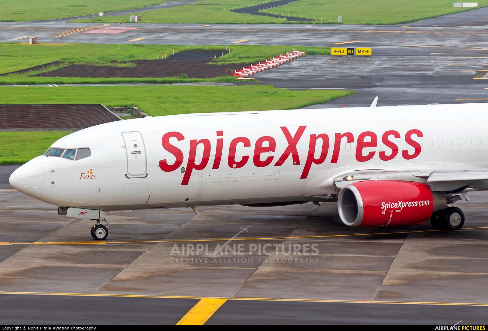 SpiceJet VT-SFF aircraft at Mumbai - Chhatrapati Shivaji Intl
