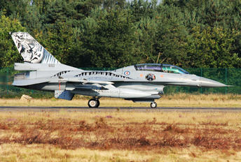 692 - Norway - Royal Norwegian Air Force General Dynamics F-16A Fighting Falcon