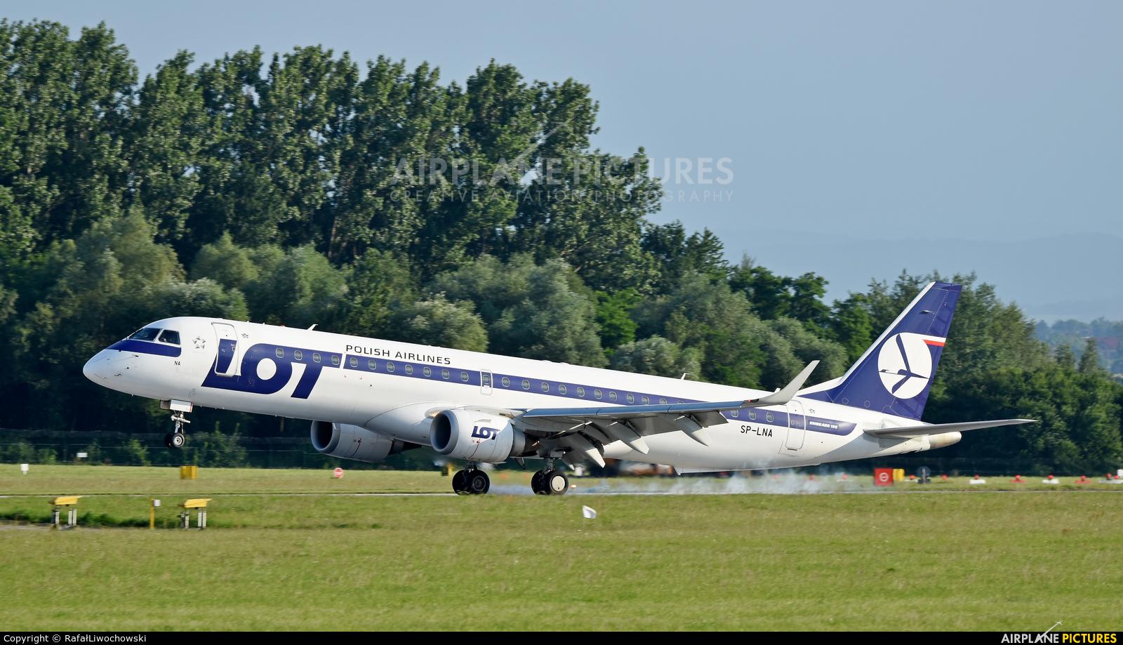 LOT - Polish Airlines SP-LNA aircraft at Kraków - John Paul II Intl