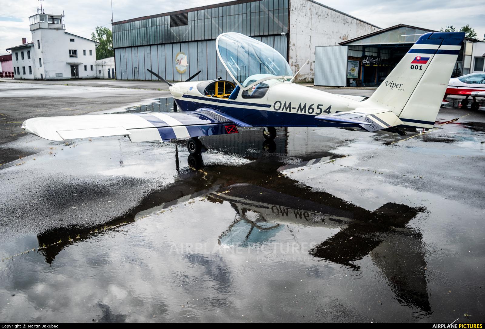Private OM-M654 aircraft at Lučenec
