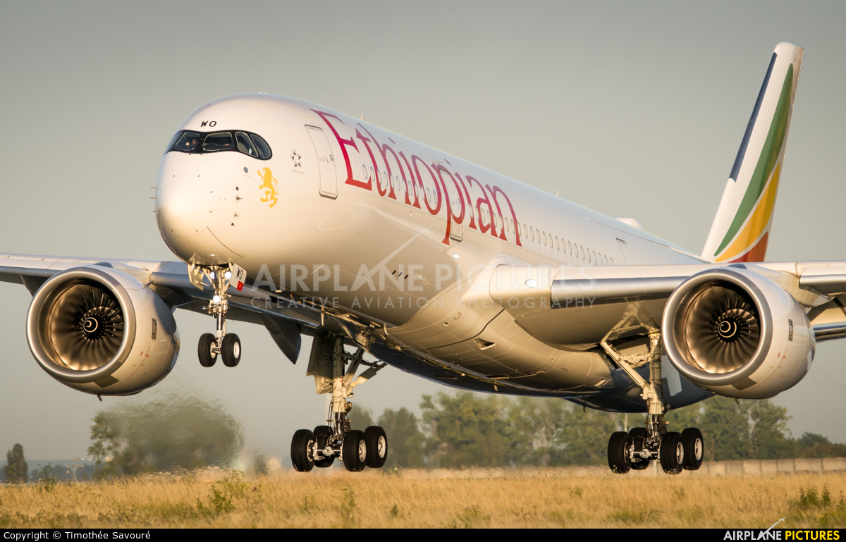 Ethiopian Airlines ET-AWO aircraft at Paris - Charles de Gaulle