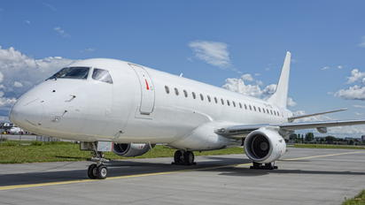 OY-YDA - Nordic Aviation Capital Embraer ERJ-175 (170-200)