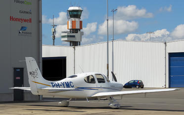 PH-YMC - Private Cirrus SR20