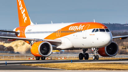 G-UZLF - easyJet Airbus A320 NEO