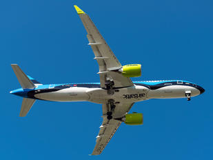 YL-CSL - Air Baltic Airbus A220-300