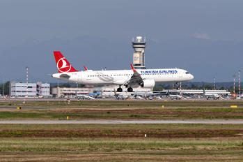 TC-LSR - Turkish Airlines Airbus A321 NEO