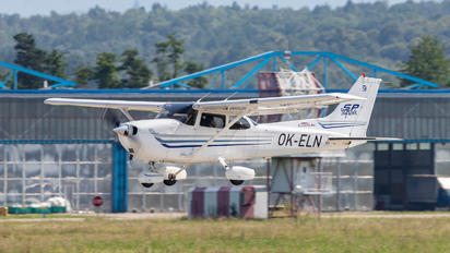 OK-ELN - Elmontex Air Cessna 172 Skyhawk (all models except RG)