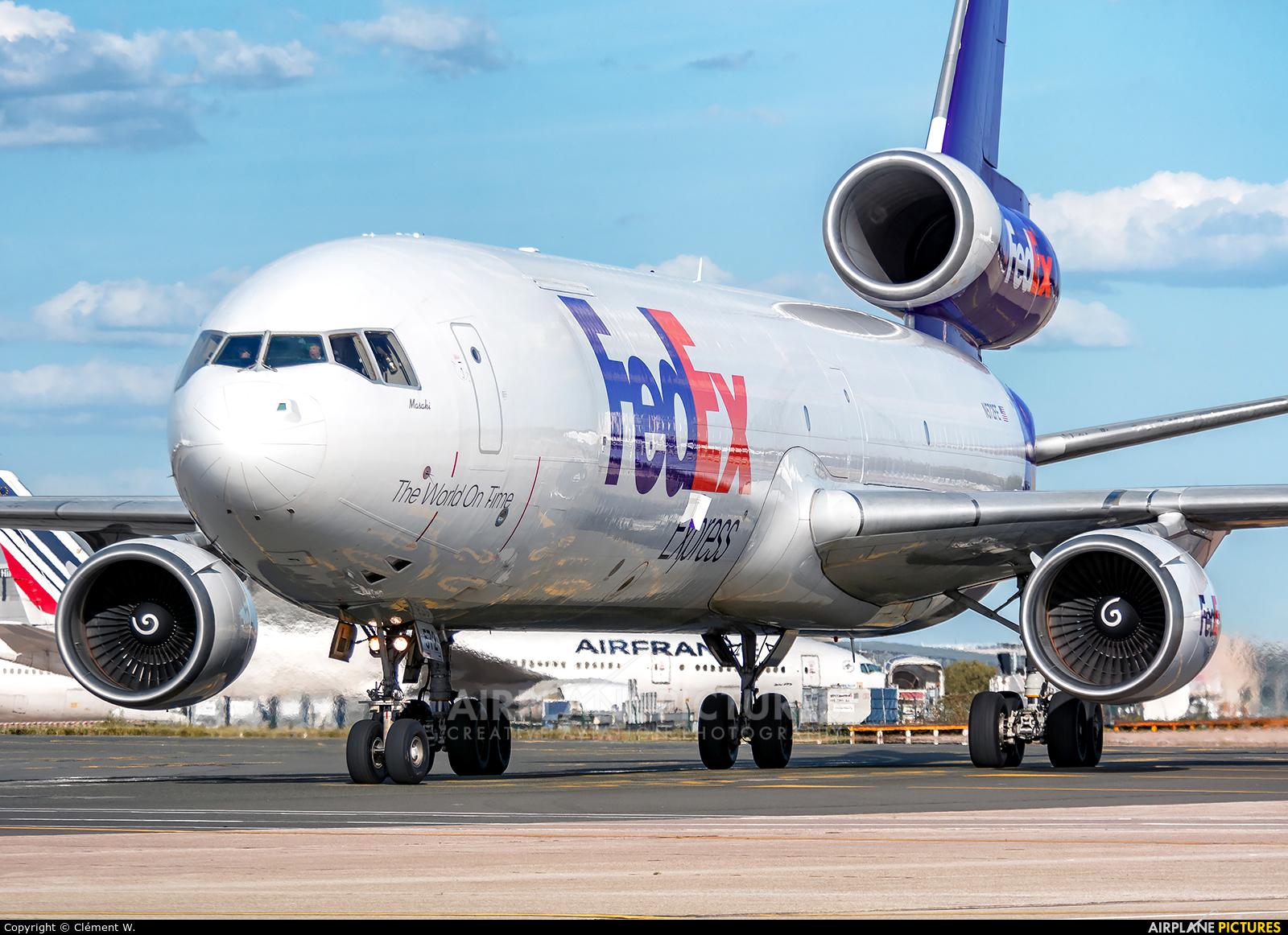 FedEx Federal Express N572FE aircraft at Paris - Charles de Gaulle