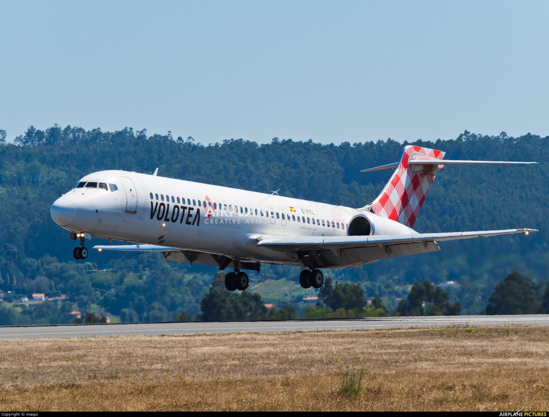 Volotea Airlines EI-FBL aircraft at La Coruña
