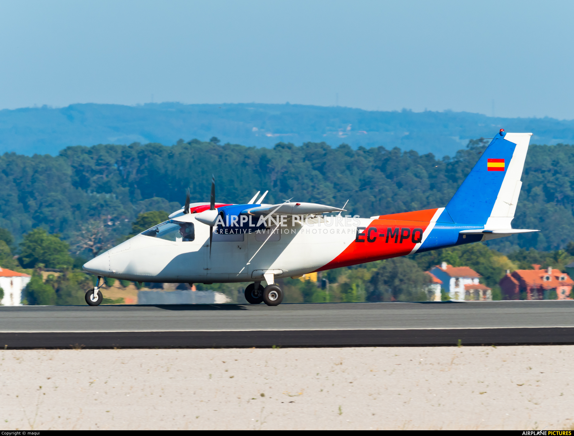 Grup Air-Med EC-MPQ aircraft at La Coruña