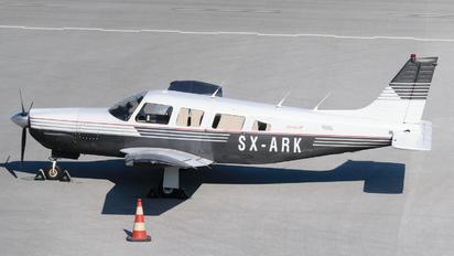 SX-ARK - Private Piper PA-32 Saratoga