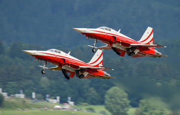 J-3090 - Switzerland - Air Force: Patrouille Suisse Northrop F-5E Tiger II