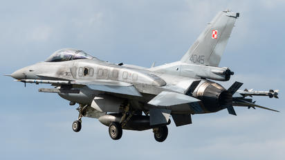 4045 - Poland - Air Force Lockheed Martin F-16C block 52+ Jastrząb