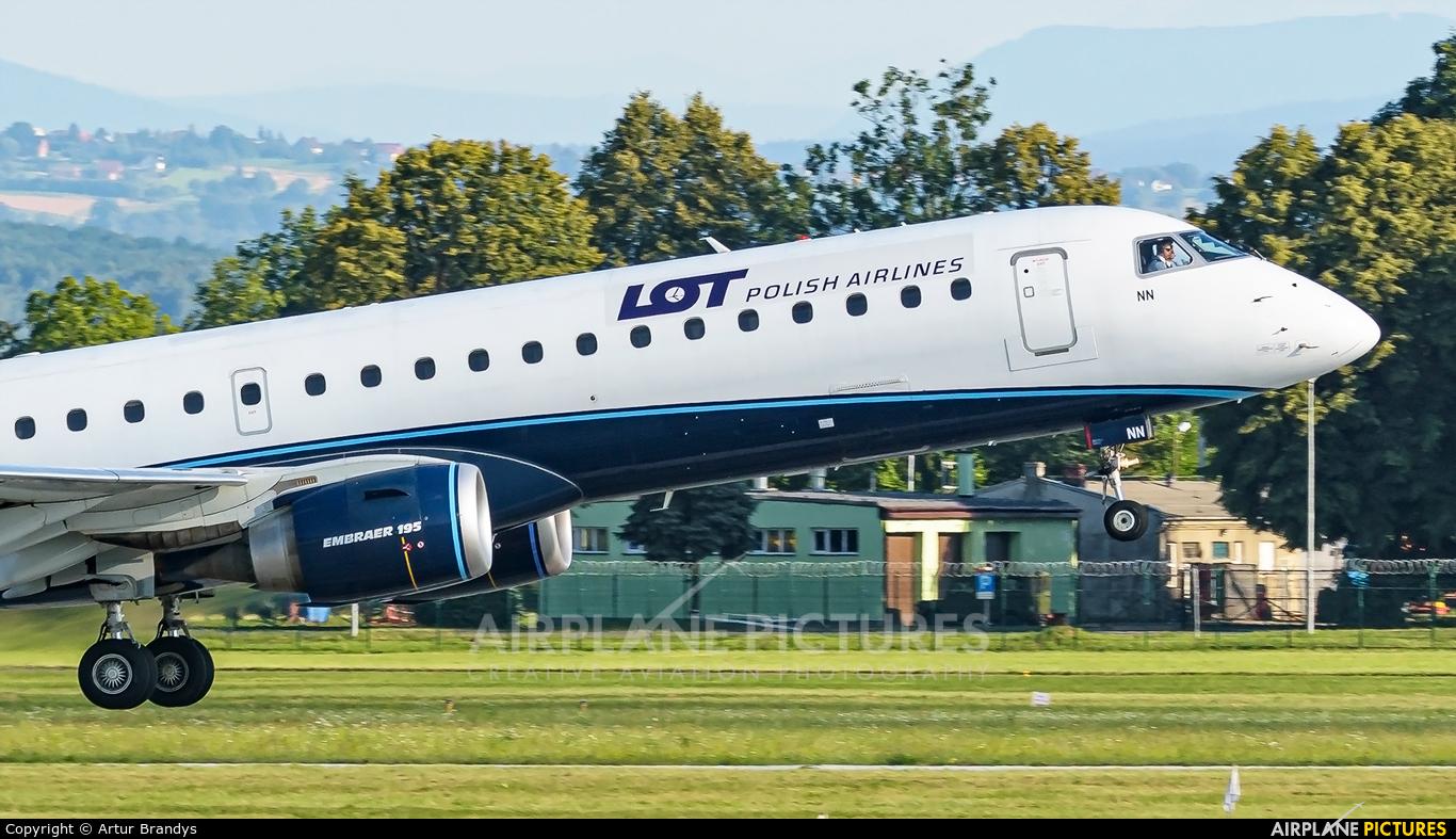 LOT - Polish Airlines SP-LNN aircraft at Kraków - John Paul II Intl