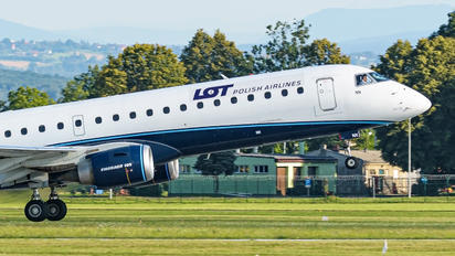 SP-LNN - LOT - Polish Airlines Embraer ERJ-195 (190-200)