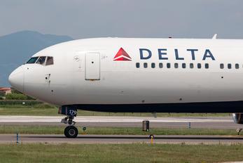 N179DN - Delta Air Lines Boeing 767-300