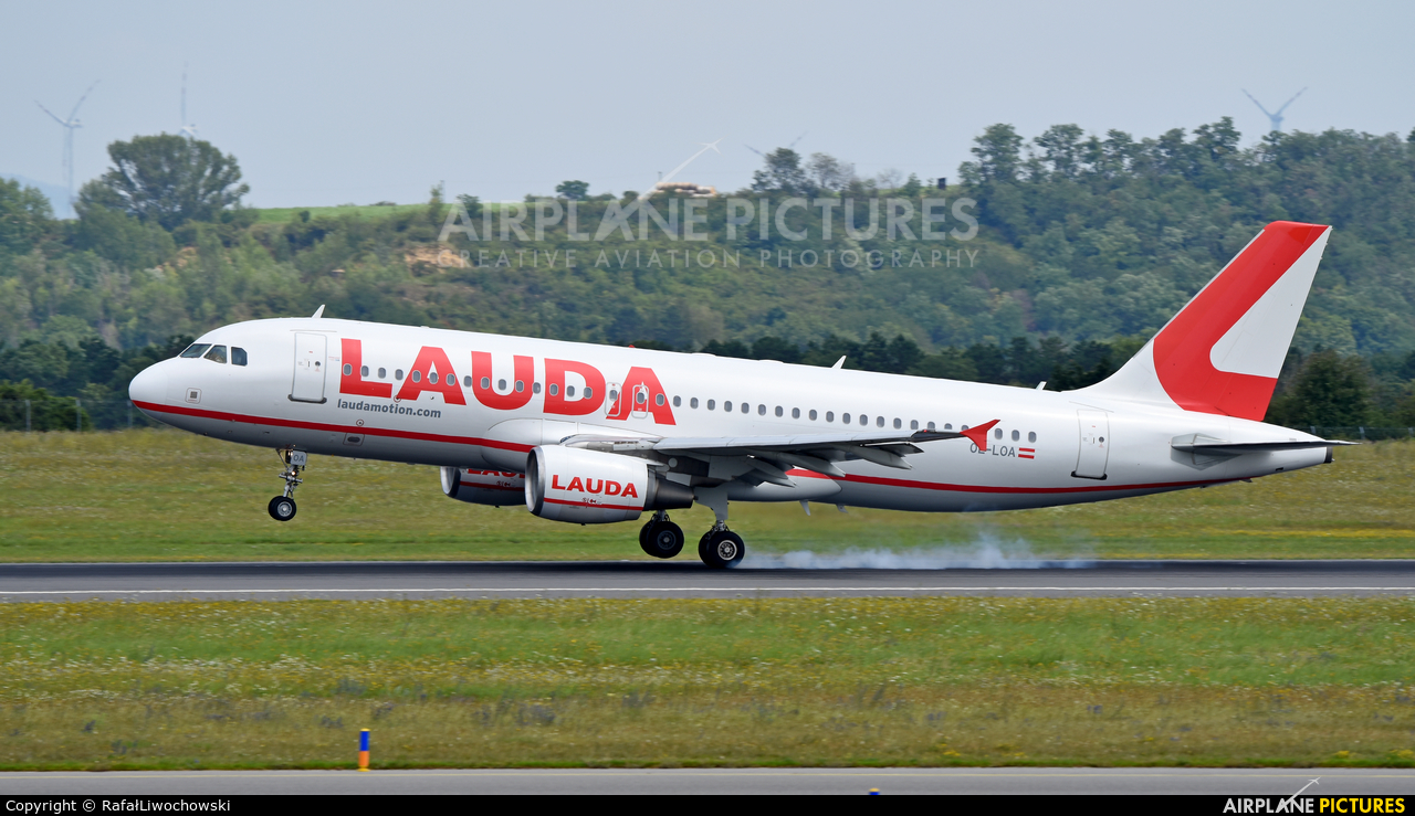 LaudaMotion OE-LOA aircraft at Vienna - Schwechat