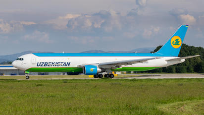 UK67002 - Uzbekistan Airways Boeing 767-300