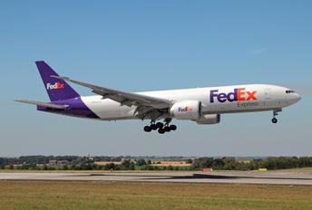 N865FD - FedEx Federal Express Boeing 777F