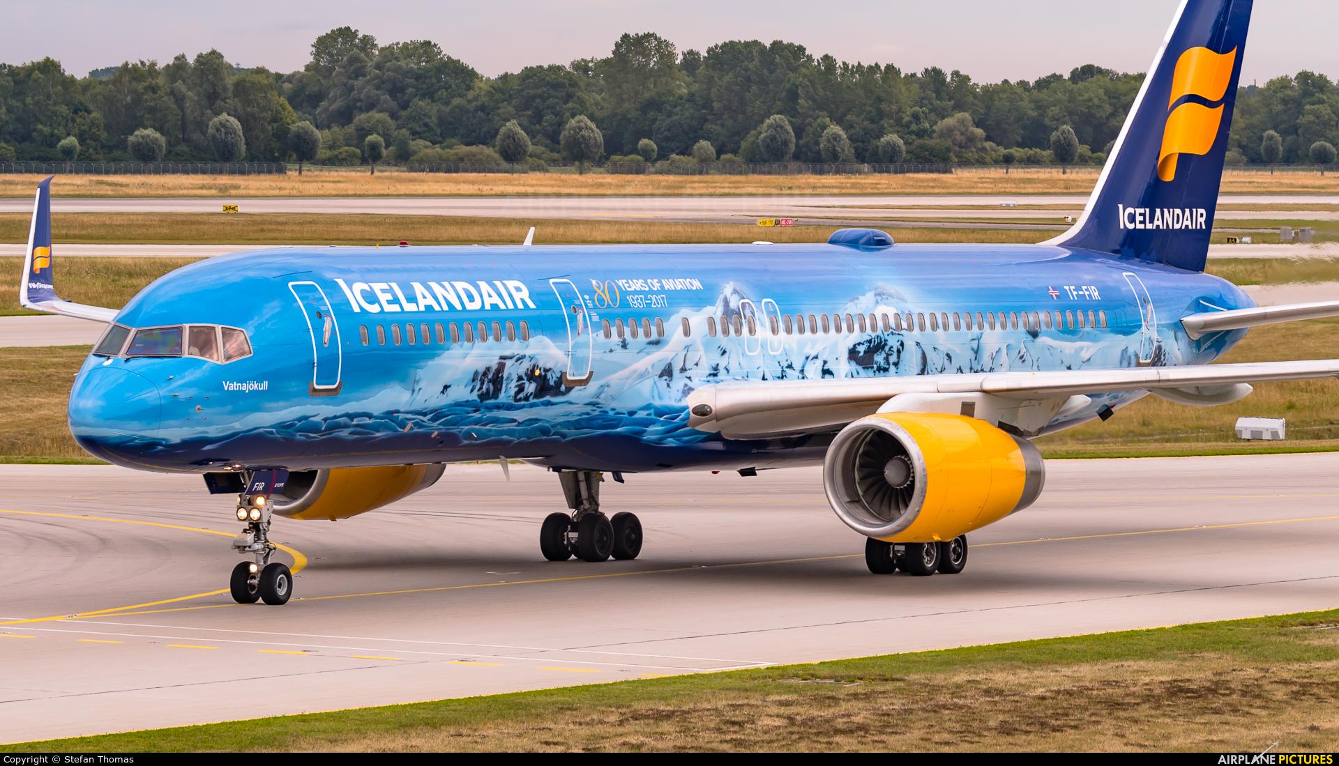 Icelandair TF-FIR aircraft at Munich