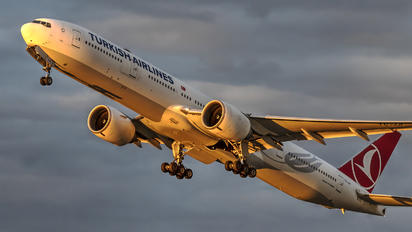 TC-JJI - Turkish Airlines Boeing 777-300ER