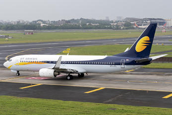 VT-JTL - Jet Airways Boeing 737-86J