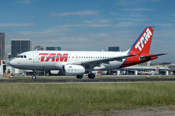 PT-TMH - TAM Airbus A319