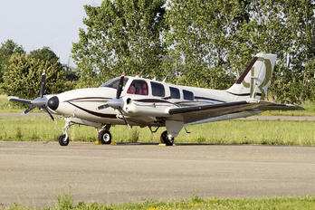 9H-MAW - Private Beechcraft 58 Baron