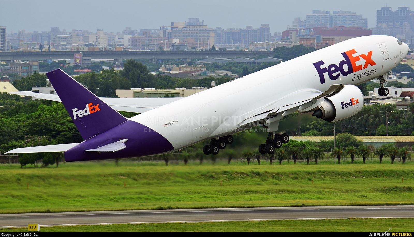FedEx Federal Express N890FD aircraft at Taipei - Taoyuan Intl