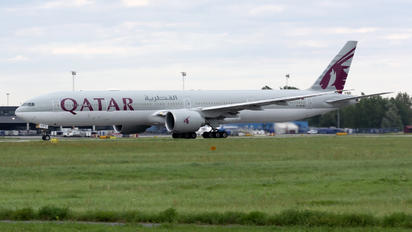 A7-BAW - Qatar Airways Boeing 777-300ER