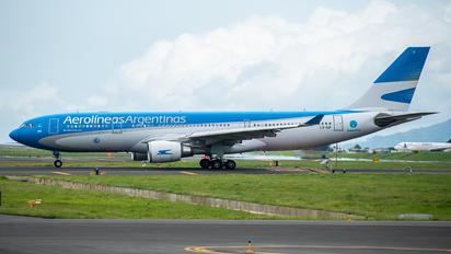LV-GIF - Aerolineas Argentinas Airbus A330-200