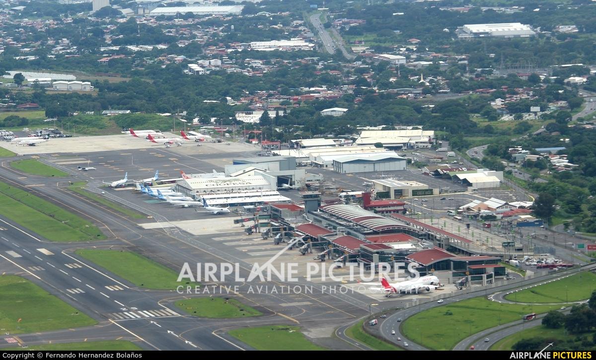 - Airport Overview MROC aircraft at San Jose - Juan Santamaría Intl