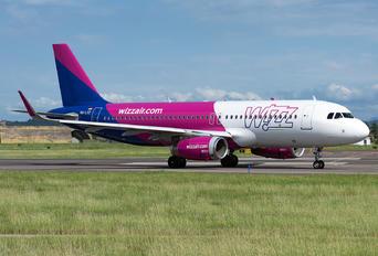 HA-LYZ - Wizz Air Airbus A320