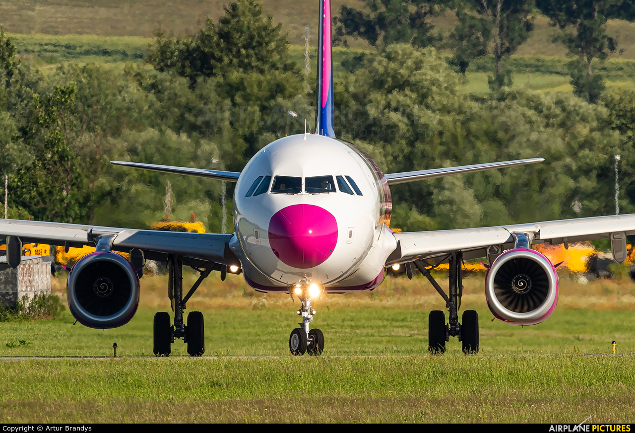 Wizz Air HA-LXT aircraft at Kraków - John Paul II Intl