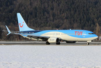 G-TAWF - TUI Airways Boeing 737-800