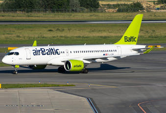 YL-CSN - Air Baltic Airbus A220-300