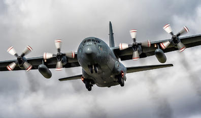 130333 - Canada - Air Force Lockheed C-130H Hercules