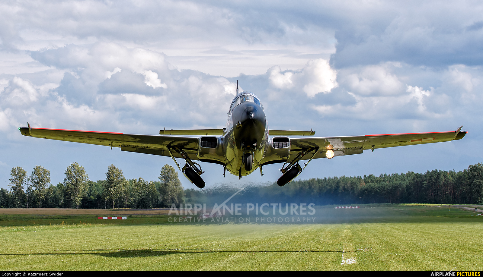Private SP-YLL aircraft at