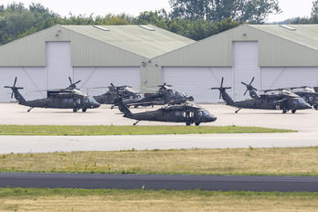 - - USA - Army Sikorsky UH-60M Black Hawk