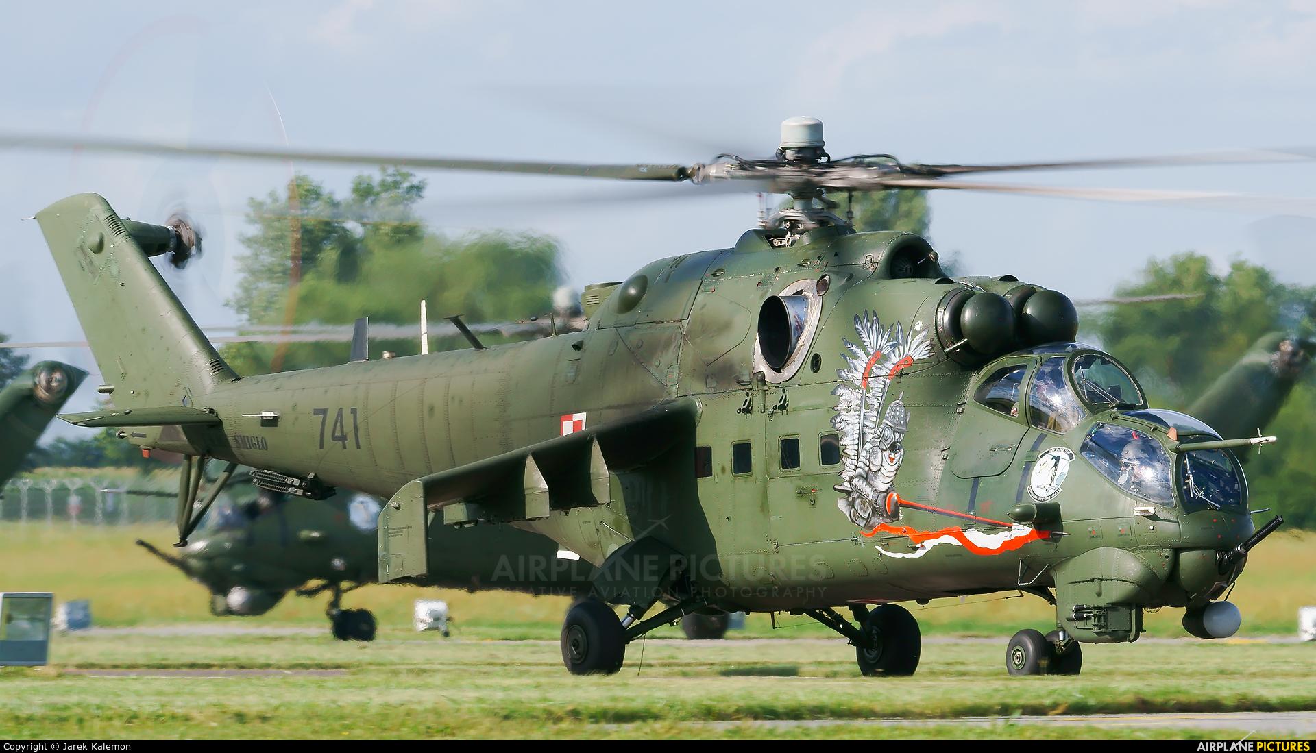 Poland - Army 741 aircraft at Inowrocław - Latkowo