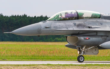 4083 - Poland - Air Force Lockheed Martin F-16D block 52+Jastrząb