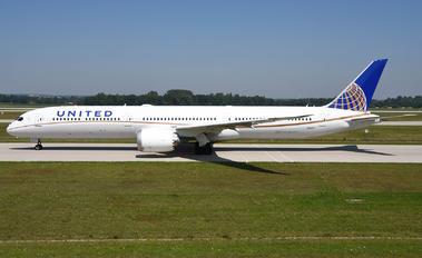 N91007 - United Airlines Boeing 787-10 Dreamliner