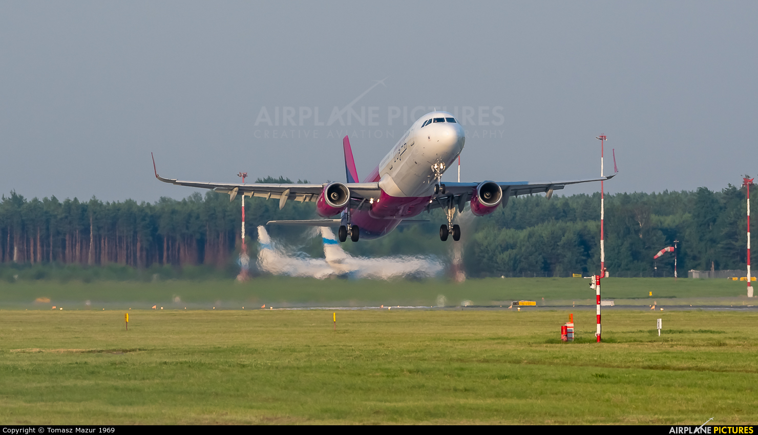 Wizz Air HA-LXM aircraft at Katowice - Pyrzowice