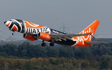 UR-SQE - SkyUp Airlines Boeing 737-700